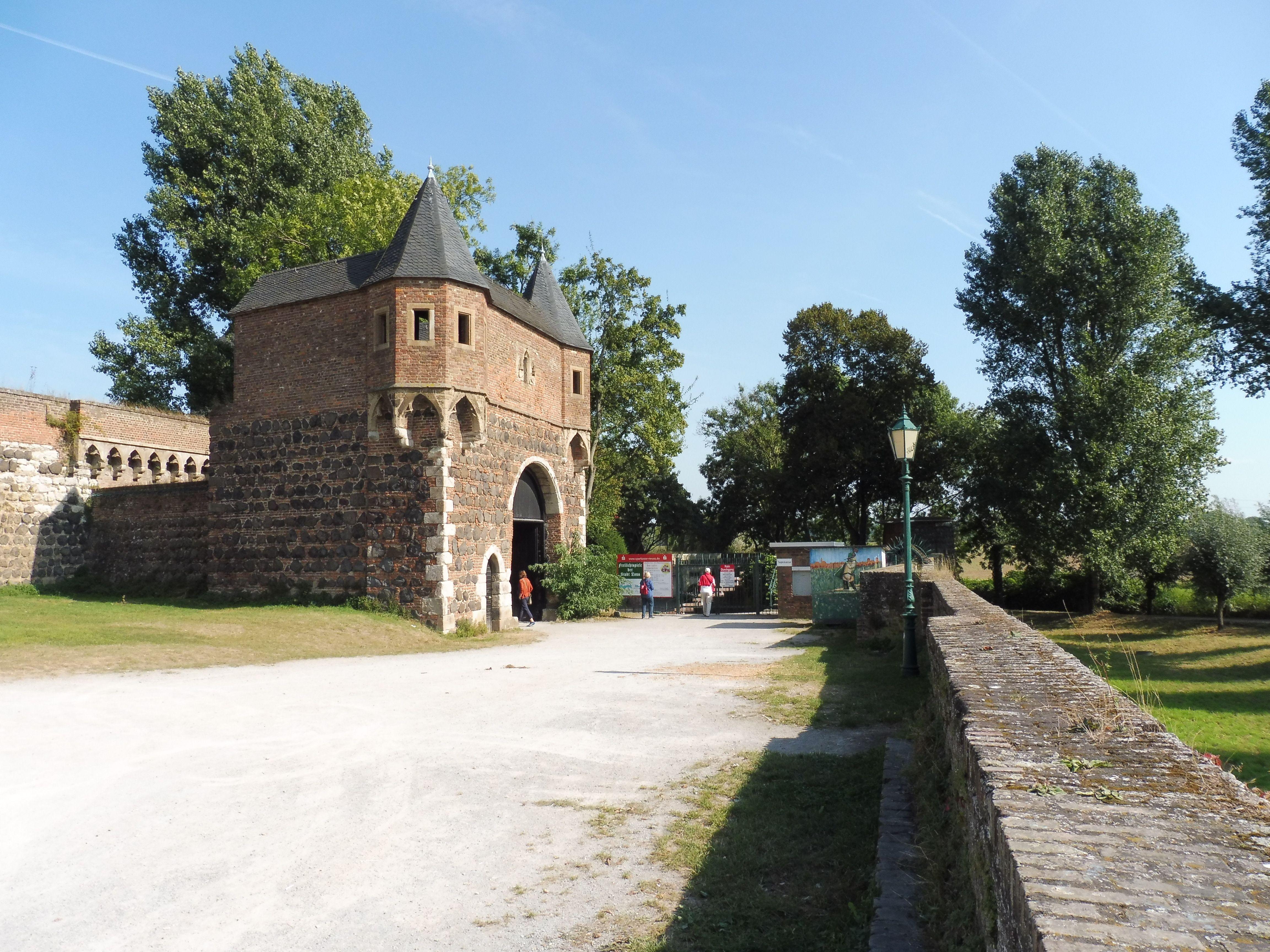 Zons Fortificación