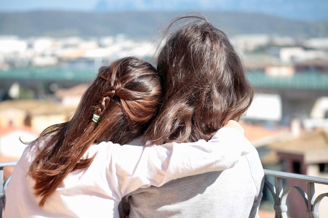 se puede mantener amistad a distancia